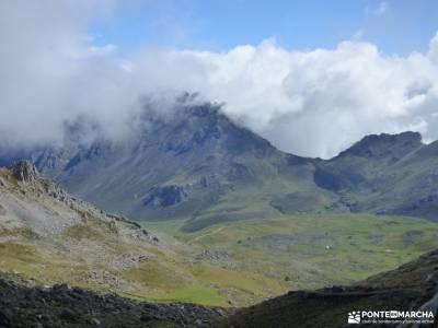 Corazón de Picos de Europa;monasterios de navarra las lagunas de neila los arrudos selva oza sierra